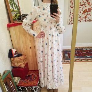 Vintage 70s Prairie Strawberry 🍓 Maxi Dress XS